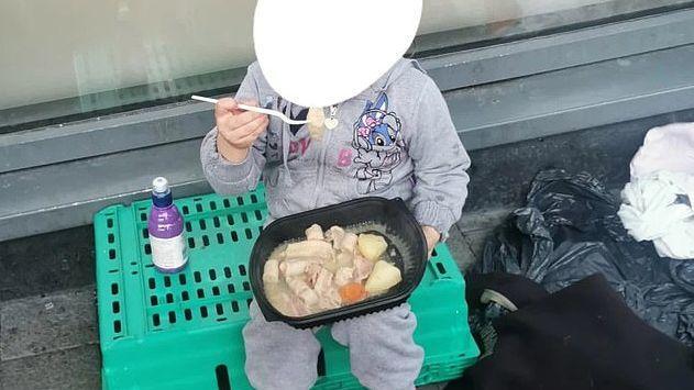 Das Bild der Vierjährigen löste in den sozialen Medien Bestürzung aus.
