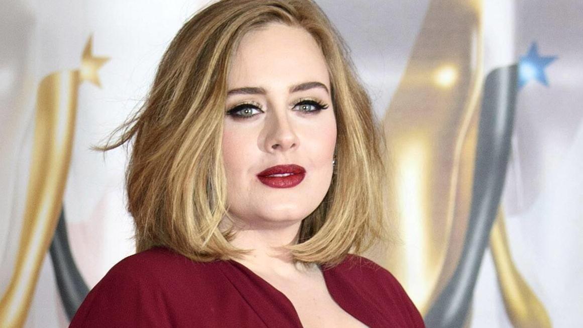 Adele zeigt sich offiziell mit ihrem Partner
