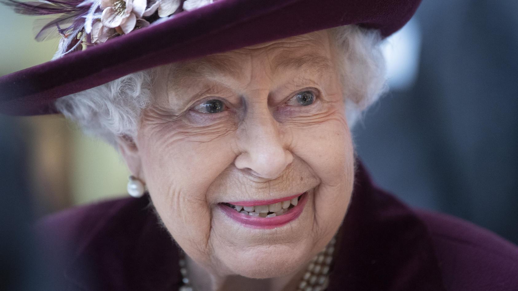 Queen Elizabeth lässt es sich nicht nehmen, ihrem Enkel herzlich zum Hochzeitstag zu gratulieren.