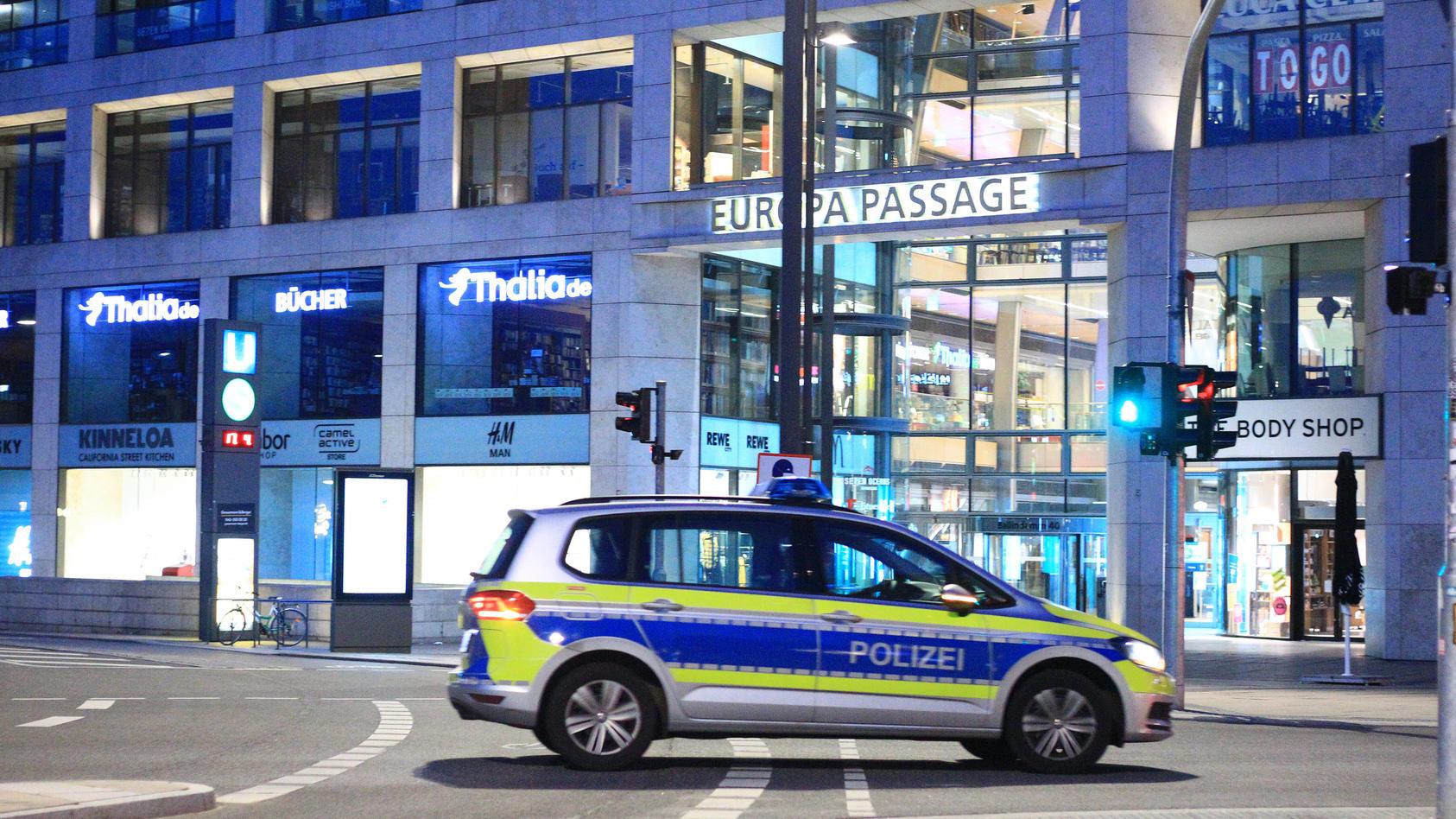 Menschenleere Hamburger Innenstadt während der Ausgangssperre.