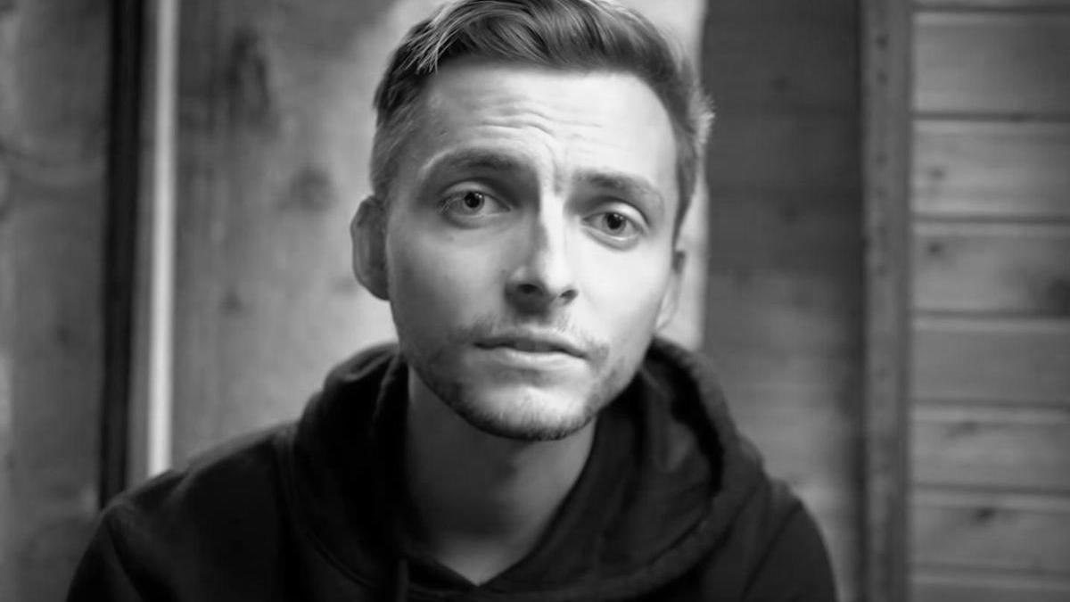 YouTuber Philipp Mickenbecker hat den Kampf gegen seine Krebserkrankung verloren.