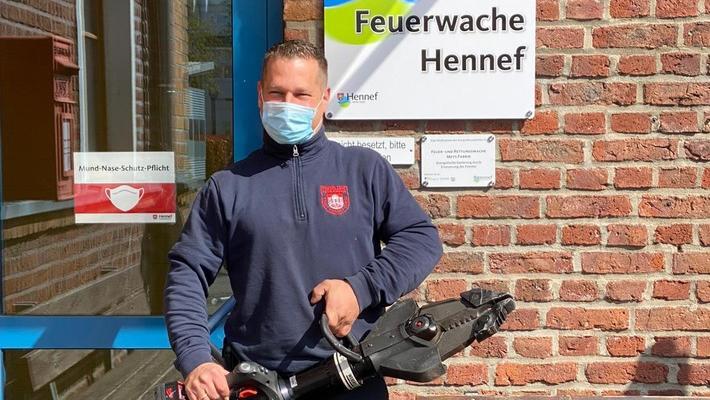 Feuerwehrmann aus Hennef wird zum Geburtstagshelden im Kindergarten