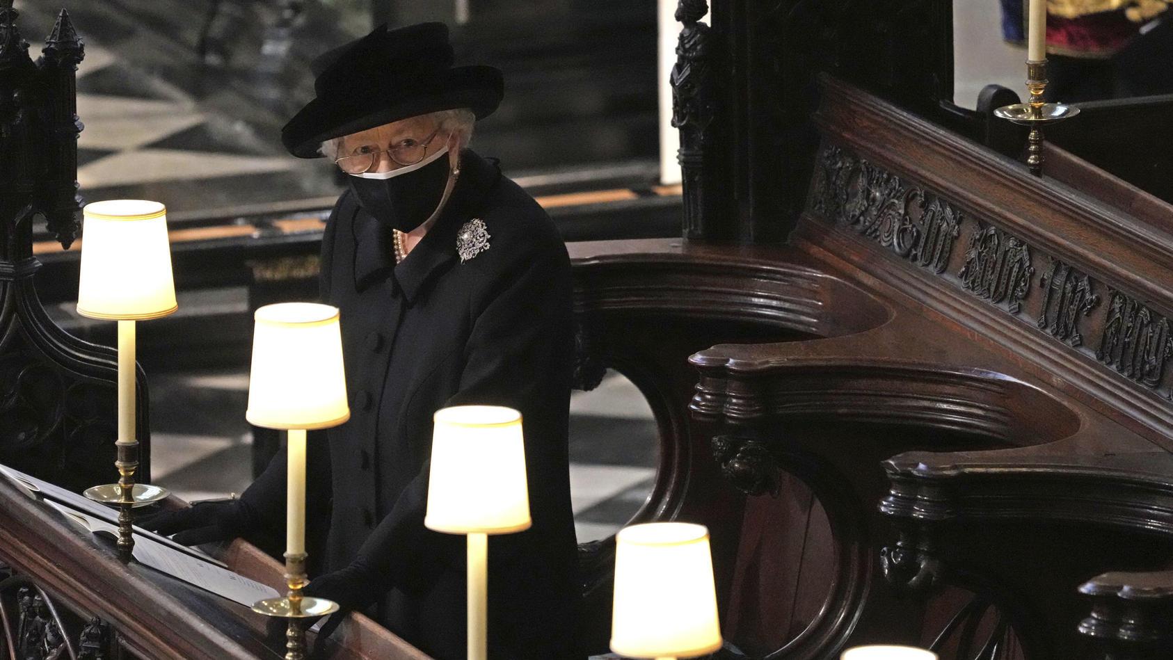 Zwei Wochen nach Prinz Philips Tod endet die offizielle Trauerphase der britischen Königsfamilie. Der Ehemann von Queen Elizabeth II. (95) war am 9. April auf Schloss Windsor im Alter von 99 Jahren verstorben.