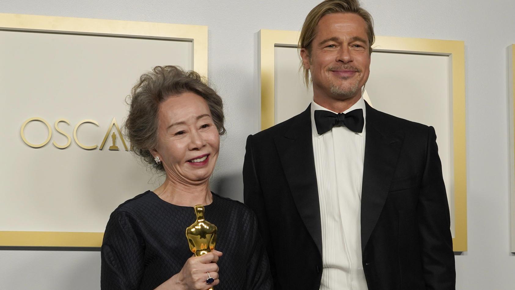 Brad Pitt und sein größter Fan Youn Yuh-jung