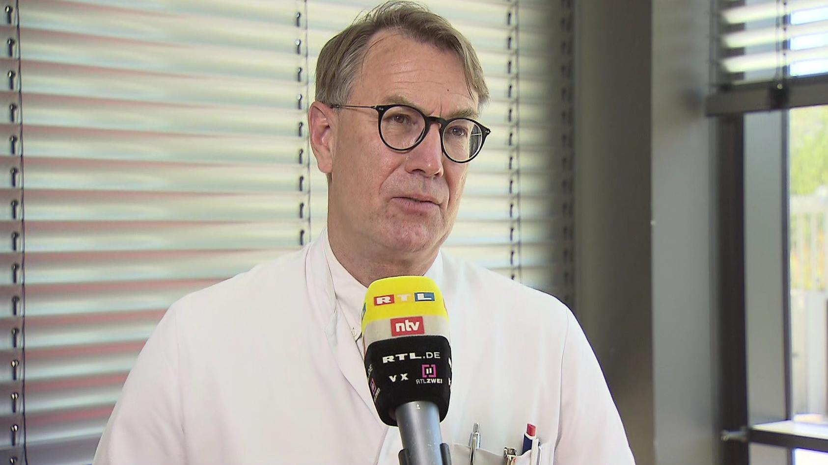Dr. Zinn schätzt ein, ob ein Zusammenhang zwischen Herzmuskelentzündungen und Biontech-Impfungen bestehen könnte.