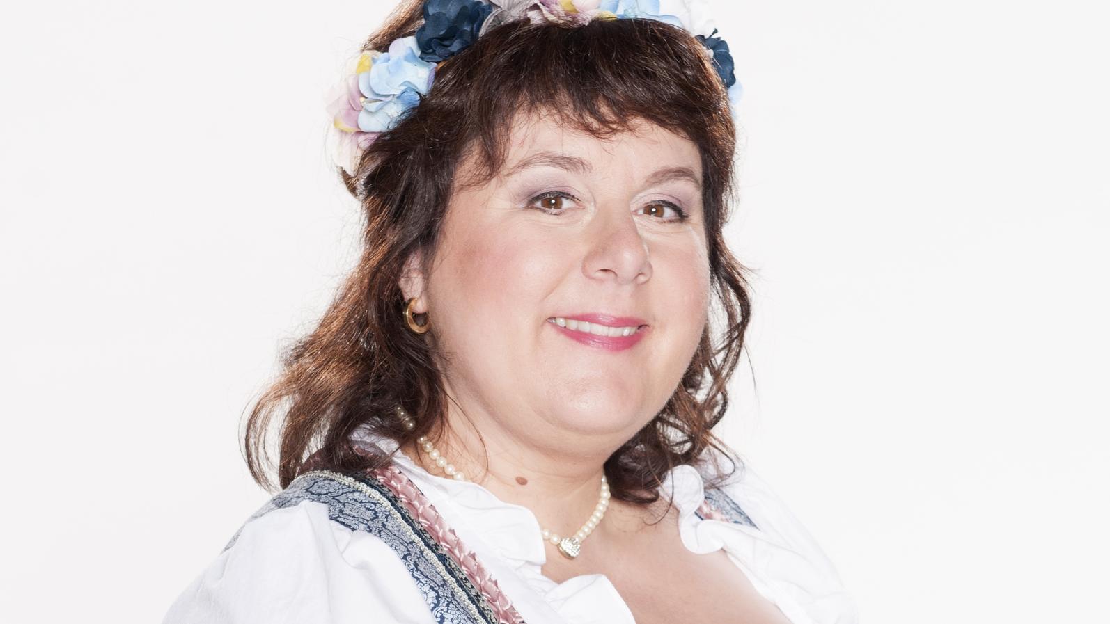 """Von der braunen Mähne hat sich """"Bauer sucht Frau""""-Star Iris Abel verabschiedet."""