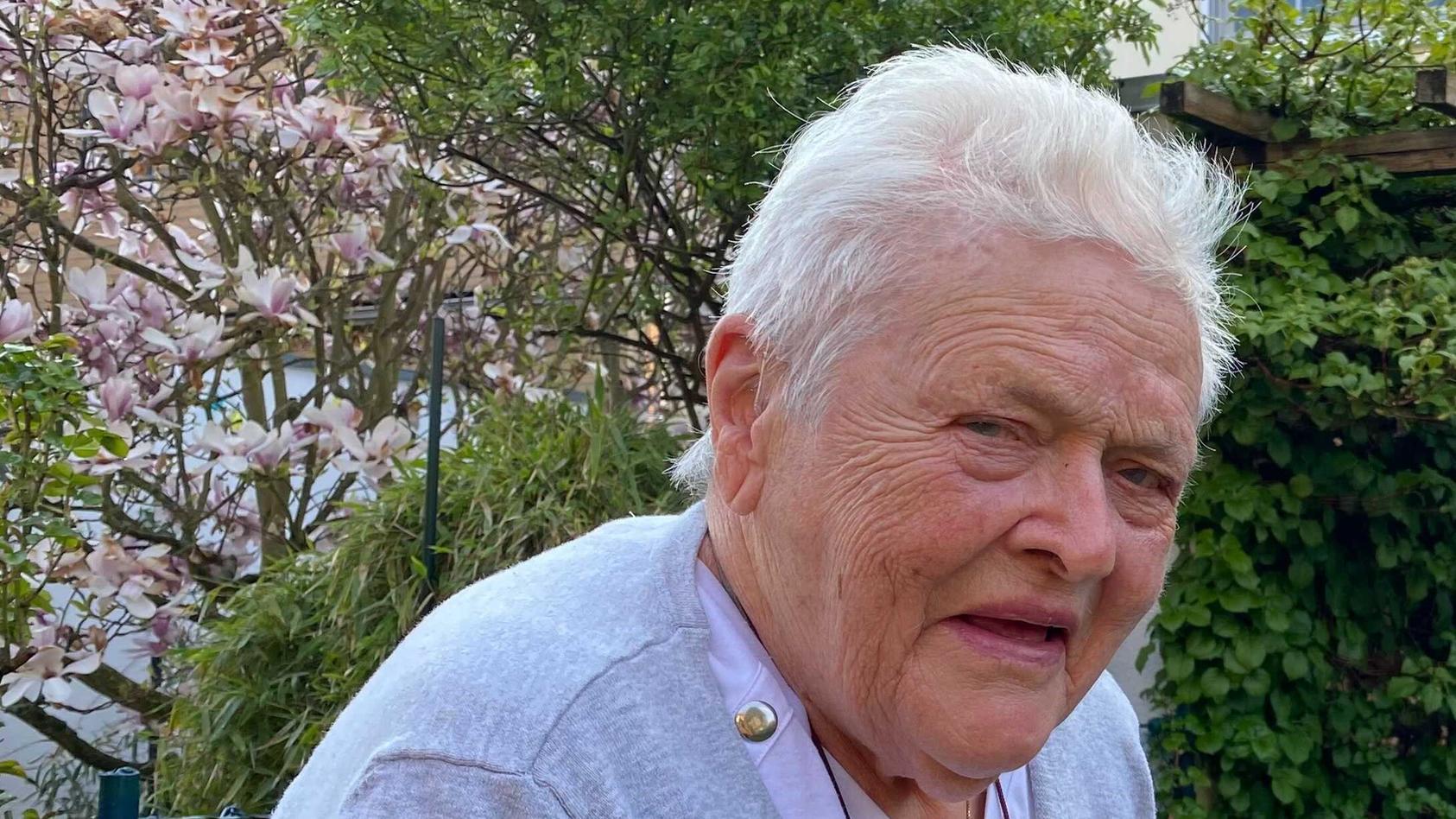 Eva Schulze (90) aus Berlin sollte 10.000 Euro für die Reinigung von vier Teppichen bezahlen