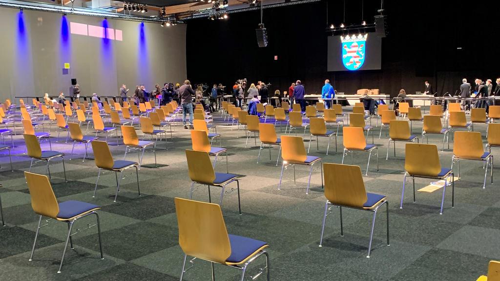 Prozess gegen Volkmarsener Amokfahrer Maurice P.: Die Kasseler Messehalle wird zum Gerichtssaal - über 400 Gäste sind geladen.