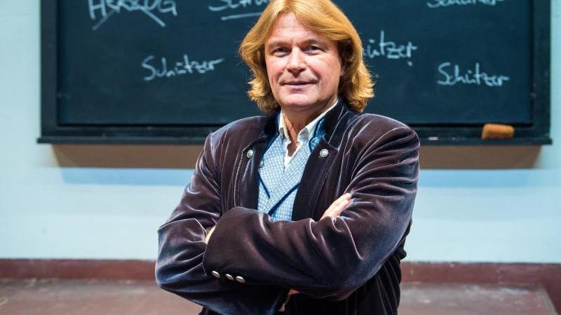 Der renommierte Tenor Klaus Florian Vogt steht in der Hamburger Staatsoper. Foto: Daniel Bockwoldt/dpa/archivbild