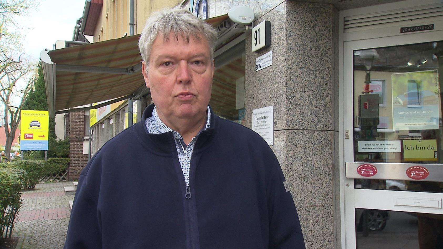 Buchhändler Heinz Ostermann wurde mehrfach Opfer rechtsextremer Gewalt