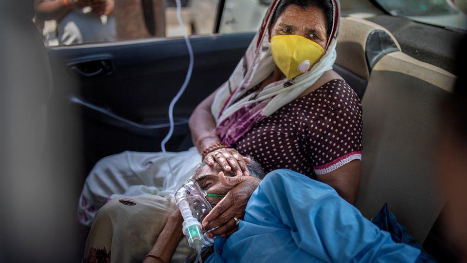 Die Lage in Indien spitzt sich zu: Das Gesundheitssystem ist überlastet und Sauerstoff ist Mangelware.