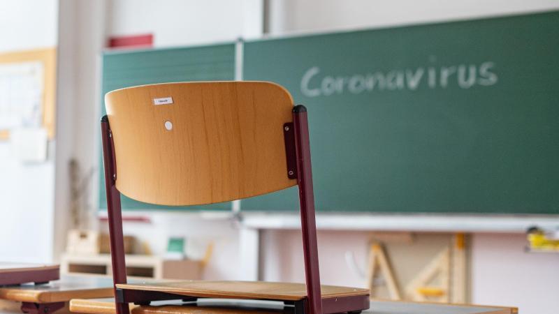 Bald könnten auch ältere Schüler wieder die Schule besuchen.