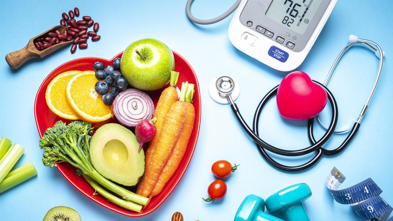 Die richtige Ernährung kann helfen, den Blutdruck zu senken.