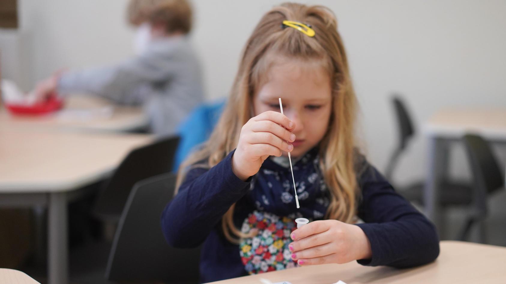 Coronavirus - Selbsttest an Berliner Schule