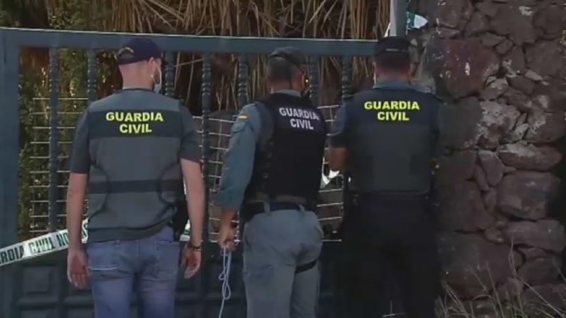 Beamte durchsuchen das Haus des verschwundenen Tomás Gimeno.