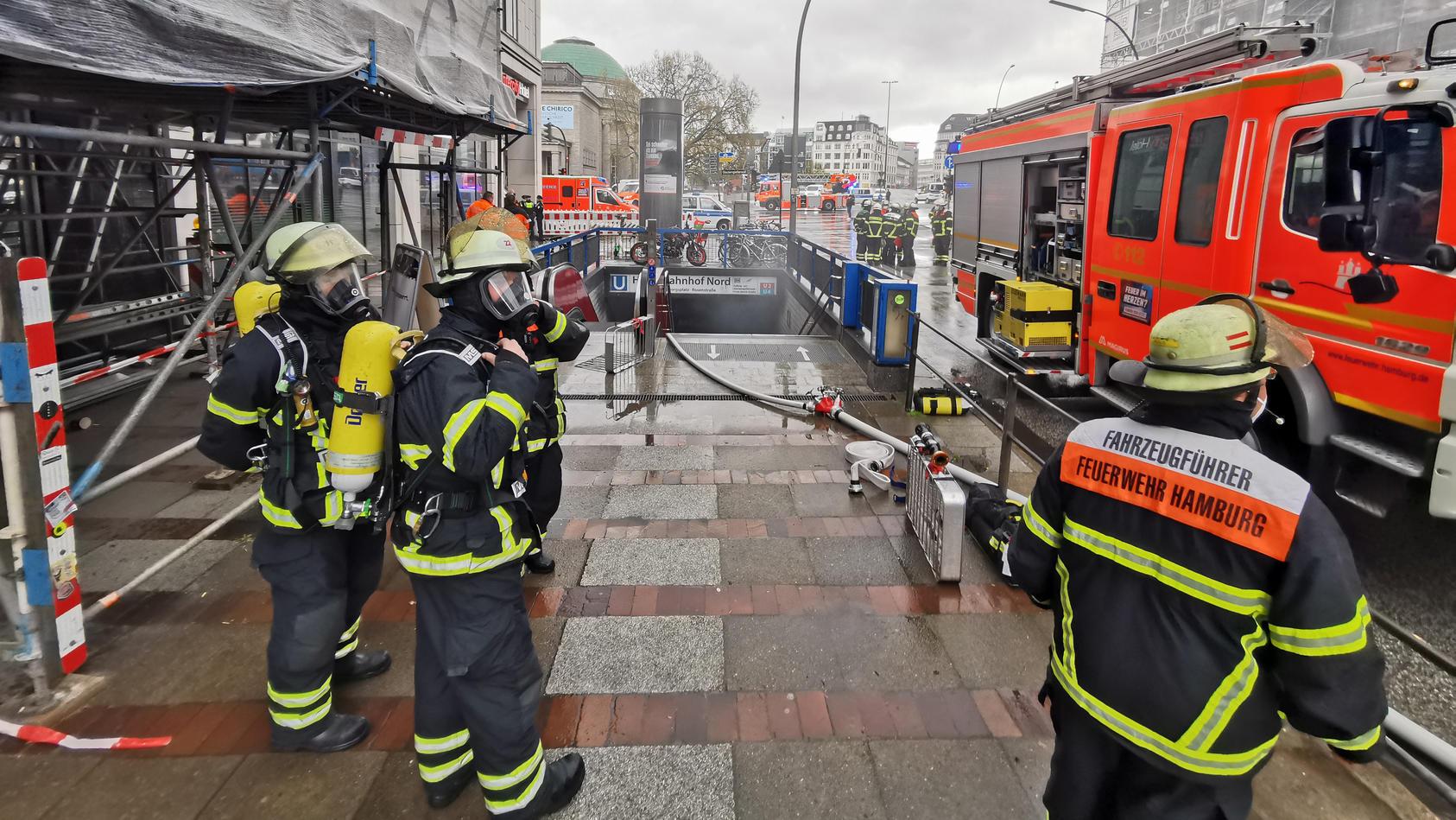 Feuerwehreinsatz am Hamburger Hauptbahnhof.
