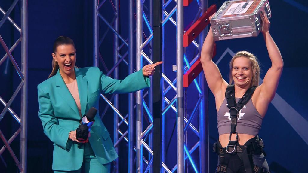 "Astrid Sibon ist die ""Last Woman Standing"" von ""Ninja Warrior Germany Allstars"" 2021."