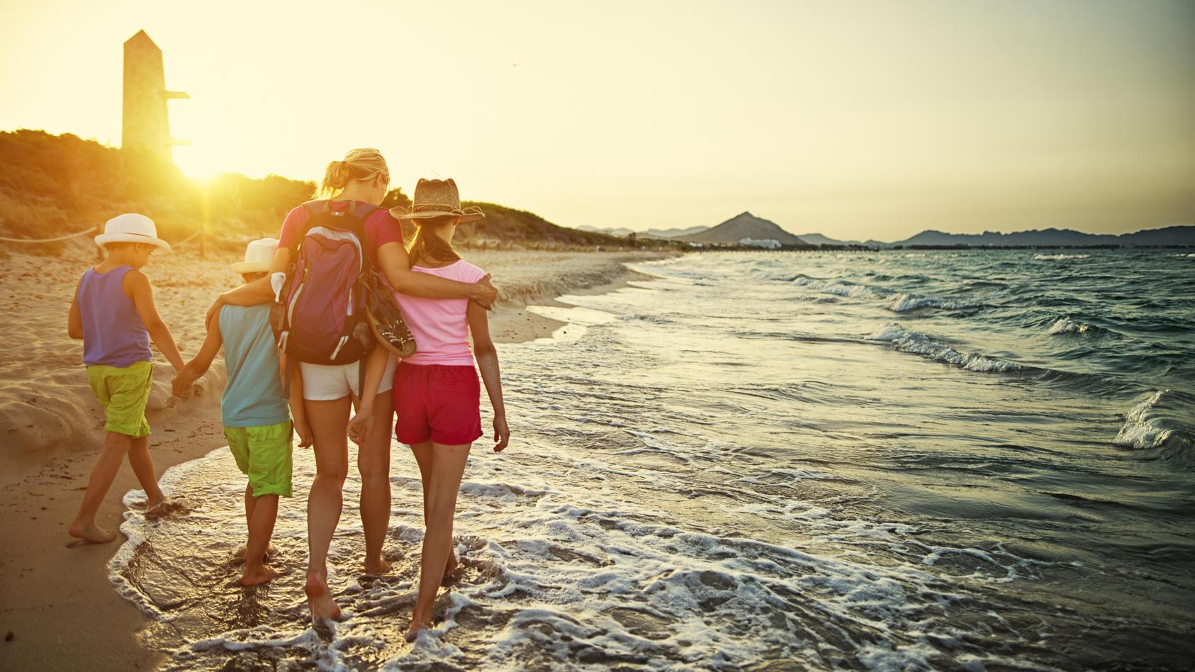 Am Strand in Spanien spazieren gehen? Das soll laut Spahn auch für Nicht-Geimpfte möglich sein.