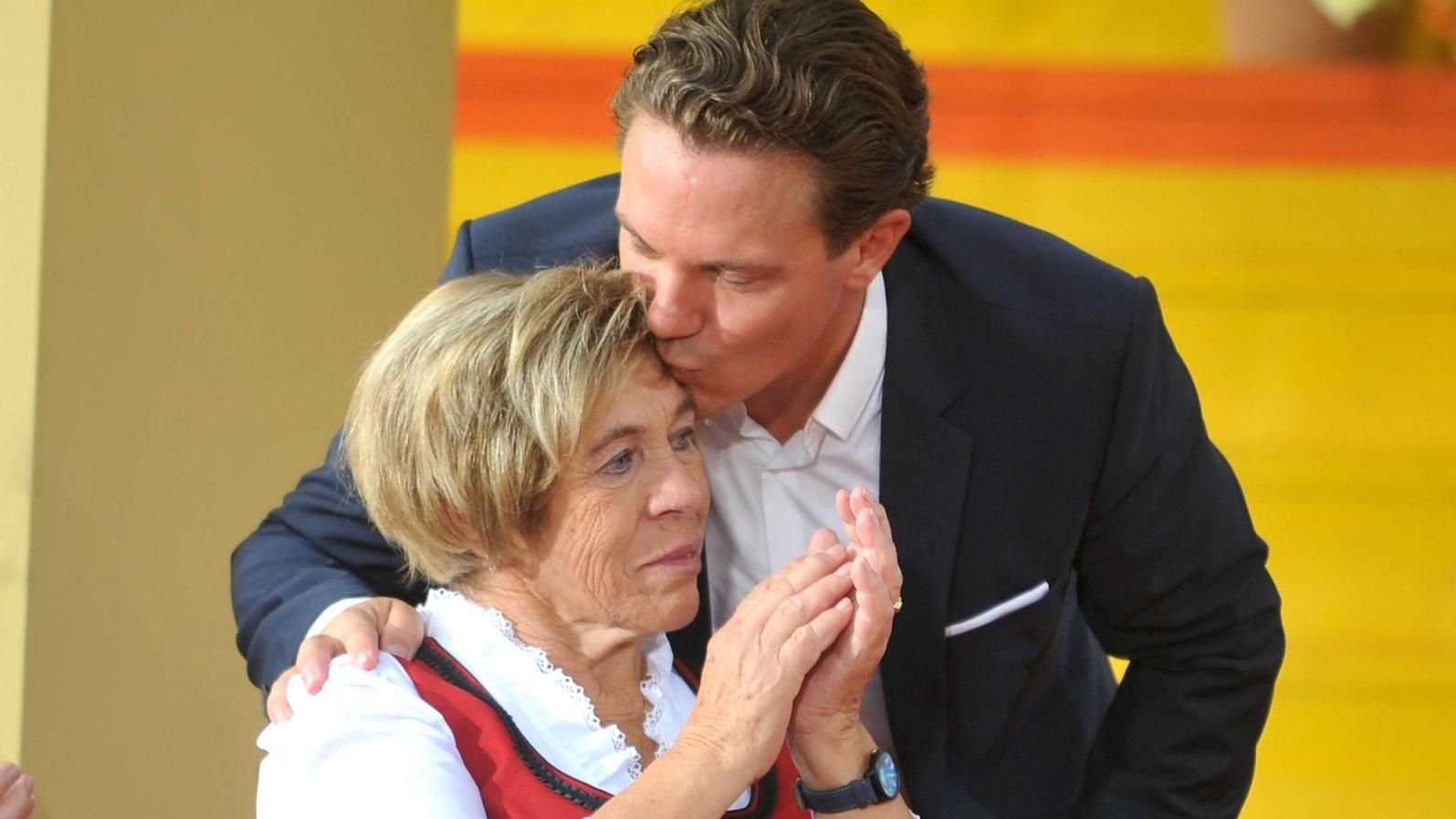 Stefan Mross und seine Mutter Stefanie stehen noch immer unter Schock