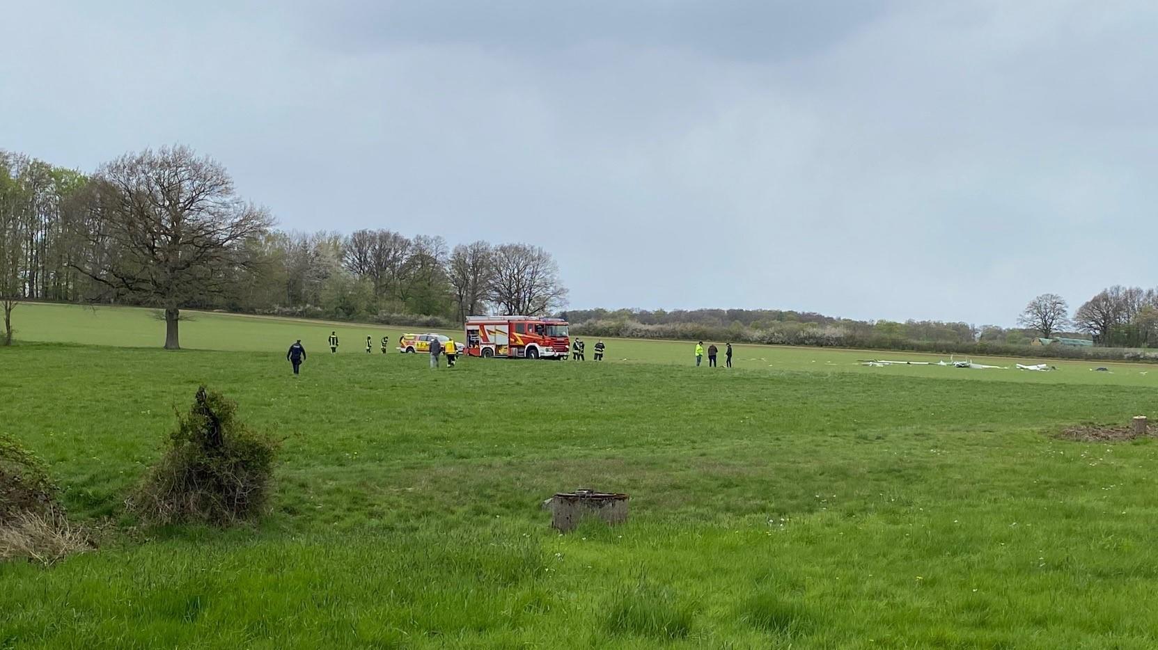 Beim Absturz eines Segelfliegers ist ein Pilot in Horn-Bad Meinberg (Kreis Lippe) tödlich verunglückt.