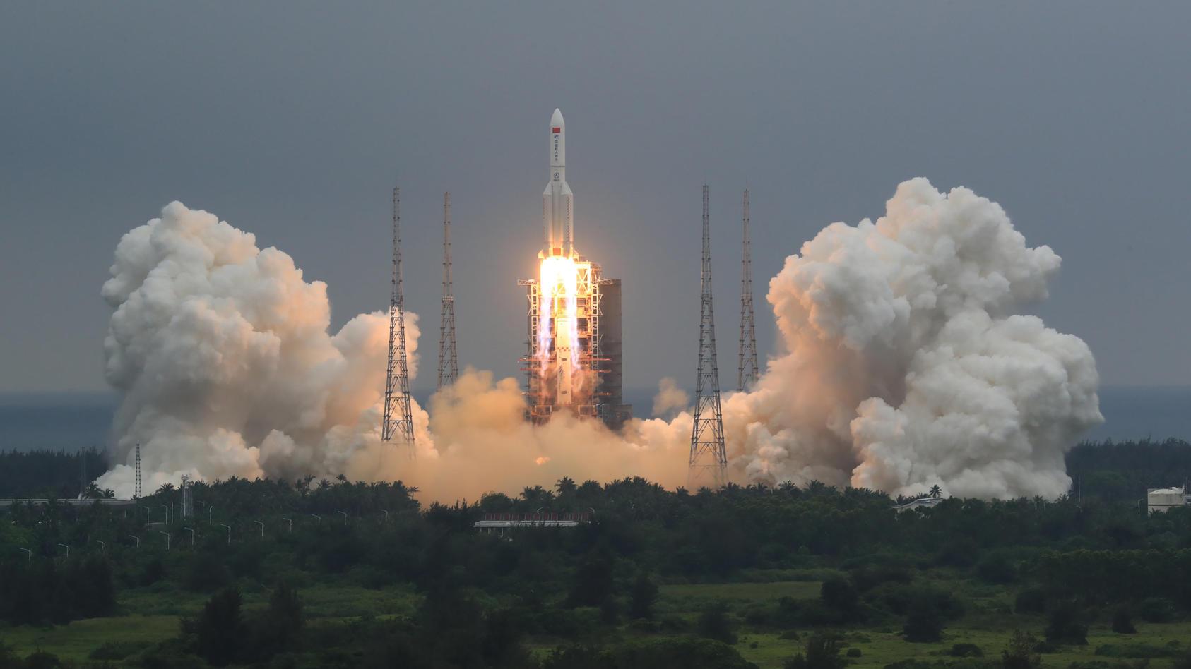 Überreste einer chinesischen Rakete sind ind en Indischen Ozean gestürzt.