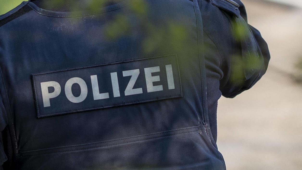 Heute Morgen (9. Mai, gegen 7 Uhr) meldete sich eine 31-jährige Essenerin bei der Polizei, weil sie nicht mehr in Ihre Wohnung gelangte.