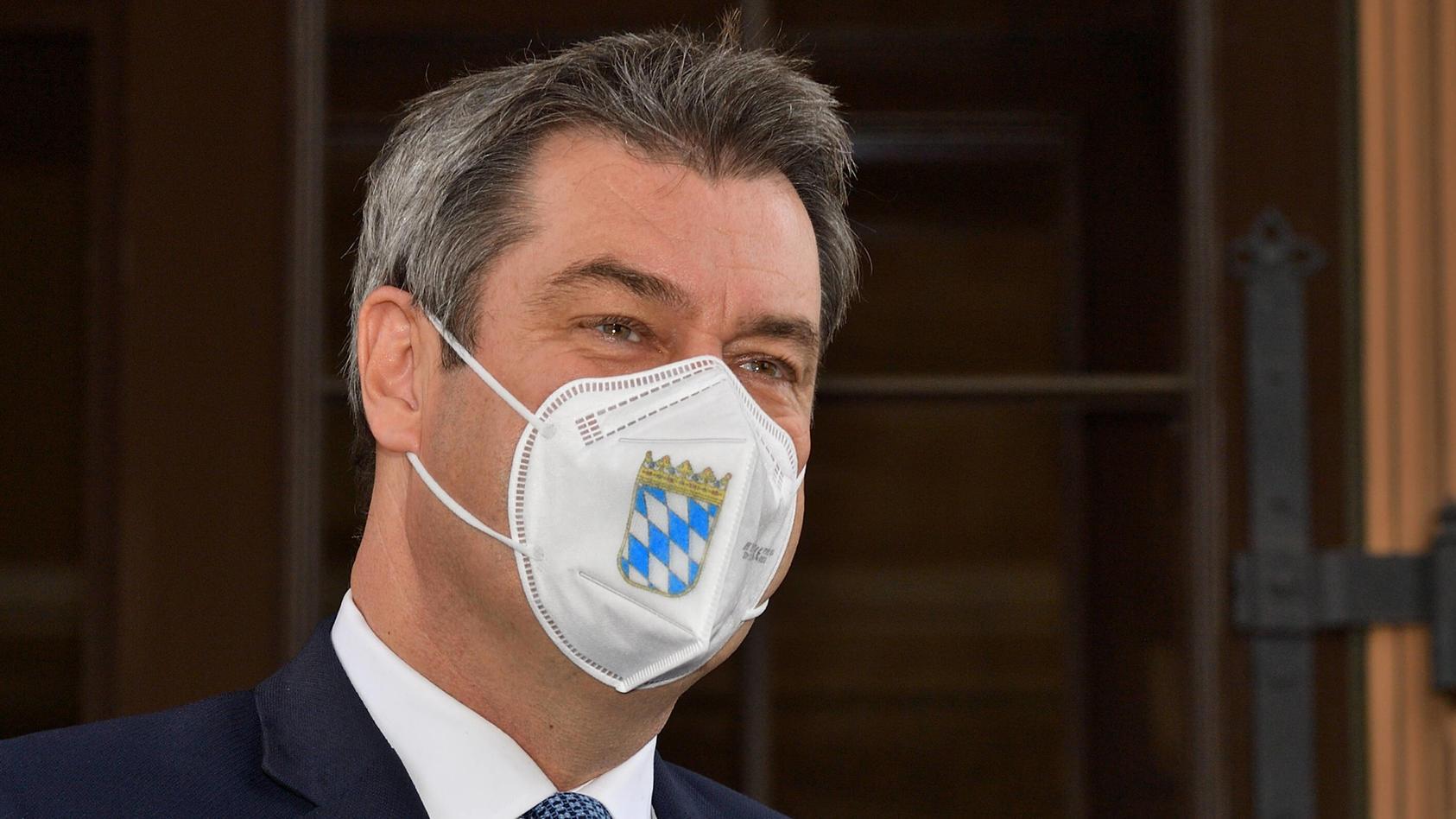 """""""Bloß, weil ein Gesetz endet, ist Corona nicht vorbei"""", sagte Markus Söder."""