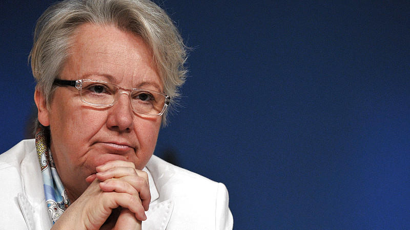 Bundesbildungsministerin Annette Schavan verfolgt am 15.11.2011 in Leipzig den CDU-Parteitag.
