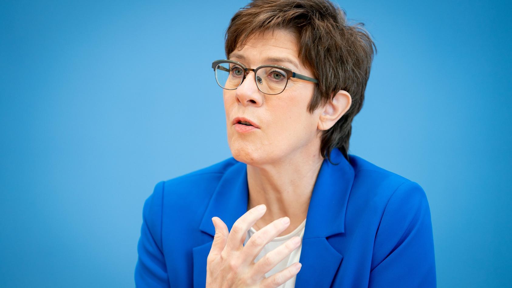 In Unruhe über den Truppenabzug: Bundesverteidigungsministerin Kramp-Karrenbauer