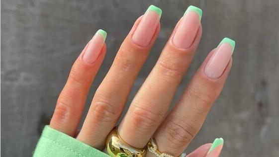 Bunte French Nails