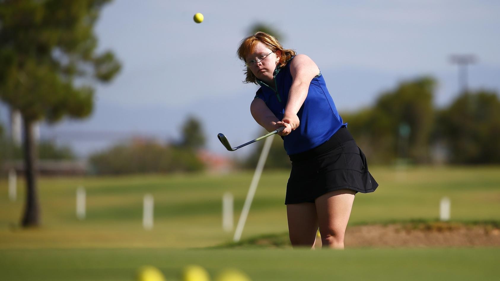 """""""Amazing Amy"""" Bockerstette zeigt auf dem Golf-Platz, was sie kann"""