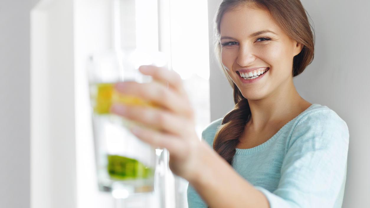 Hausgemachte Detox-Getränke sind die perfekten Durstlöscher.