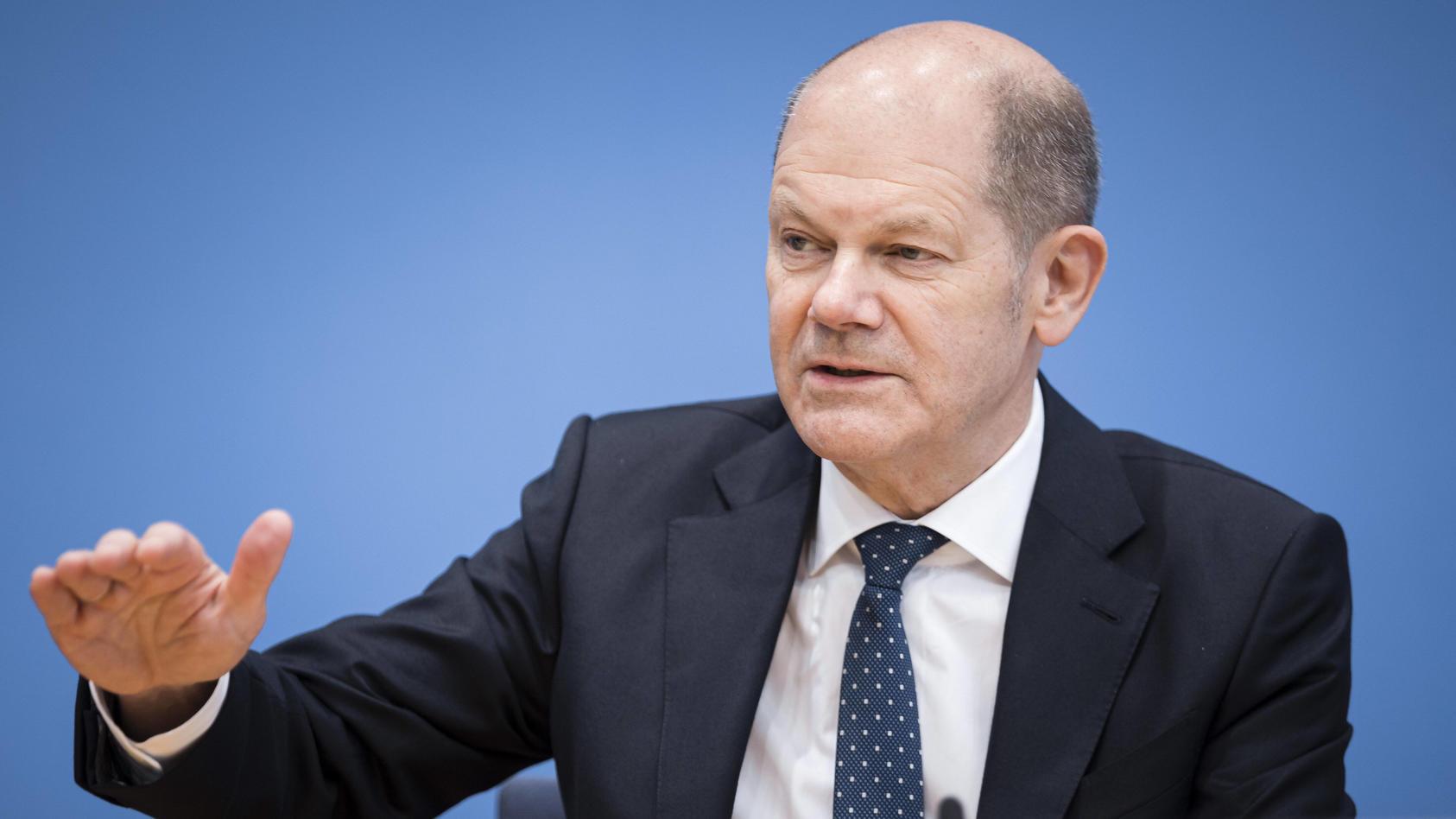 Bundesfinanzminister Olaf Scholz, SPD, will Mindestpreise für Flüge, die über der Summe der Gebühren liegen