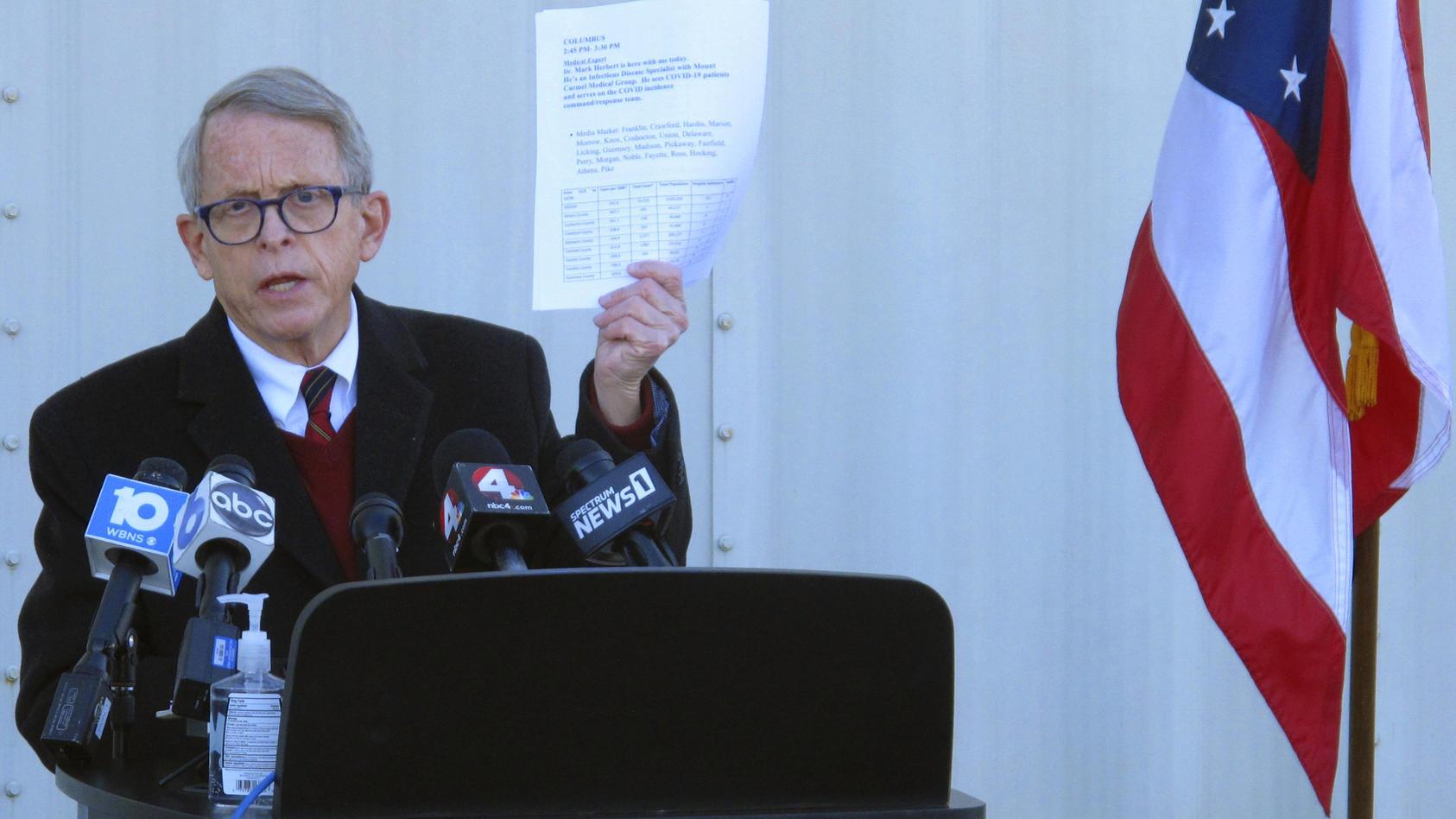 Governor Mike DeWine bei einer Veranstaltung im November 2020.  Die Impf-Lotterie verkündete er über Twitter.