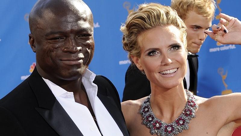 ARCHIV- Der britische Sänger Seal nd seine Frau, das deutsche Supermodel Heidi Klum, kommen zur Gala der  62. Primetime Emmy Awards im Nokia Theatre in Los Angeles (Foto vom 29.08.2010). Die Ehe schien perfekt: Zwei Menschen, die sich jedes Jahr ihr