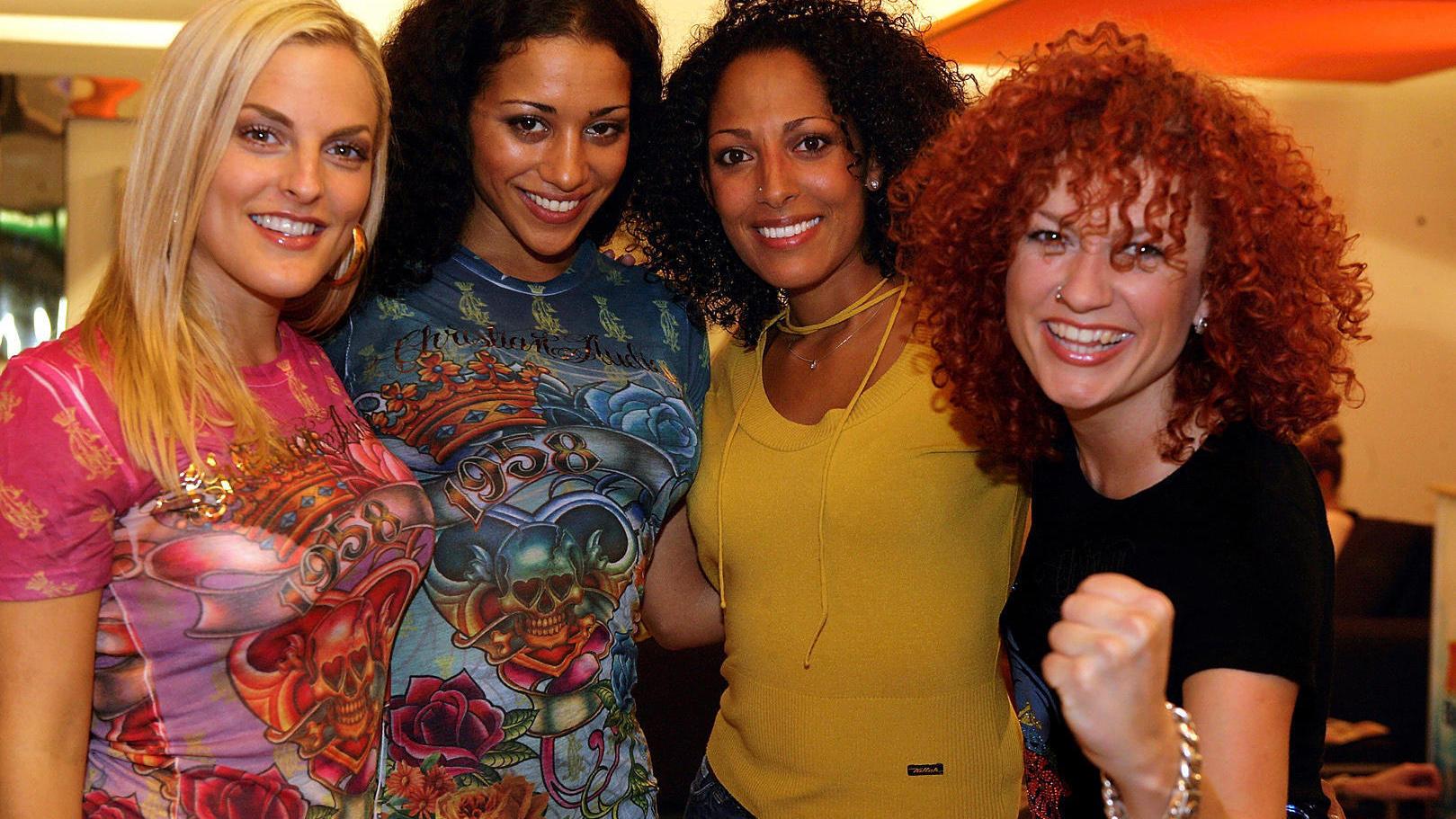 """Die """"No Angels"""": Sandy Mölling, Jessica Wahls, Nadja Benaissa  und Lucy Diakovska (auf der IFA Messe 2008)."""