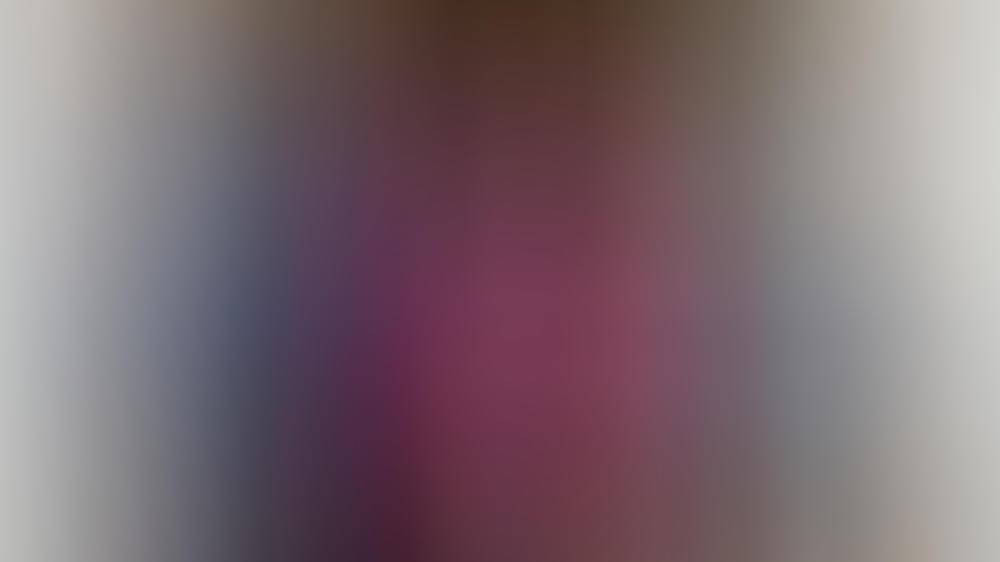 Prinz Christian von Dänemark (2.v.li.) posierte mit seinem Vater, Prinz Frederik (li.), seiner Großmutter, Königin Margrethe II., sowie seinen Geschwistern und seiner Mutter für ein Familienfoto.