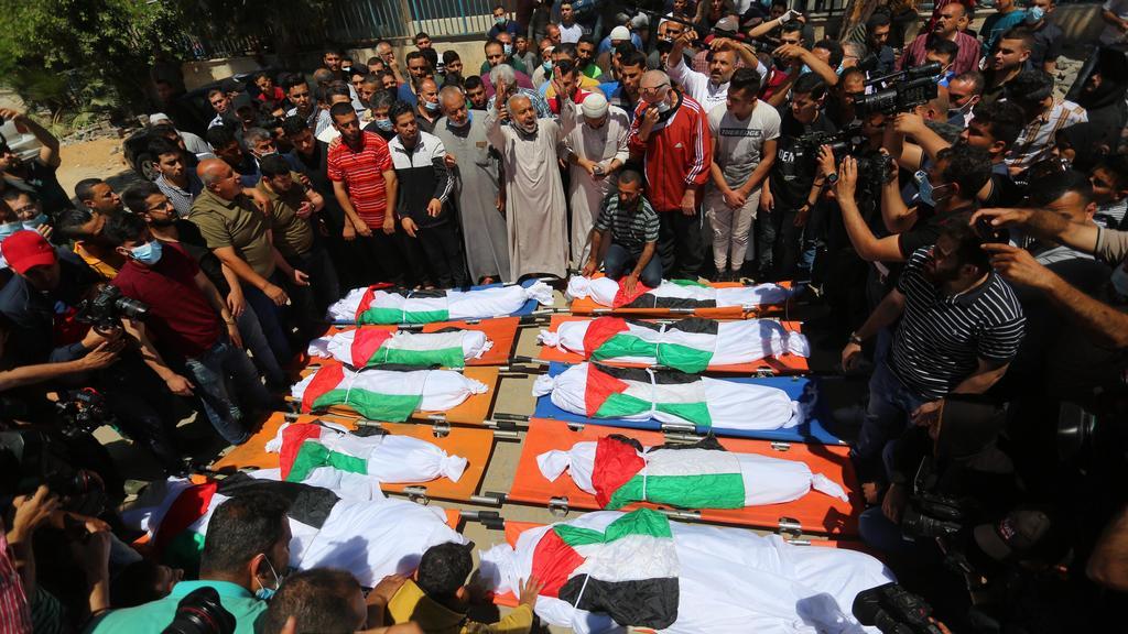Beerdigung der toten Familienmitglieder
