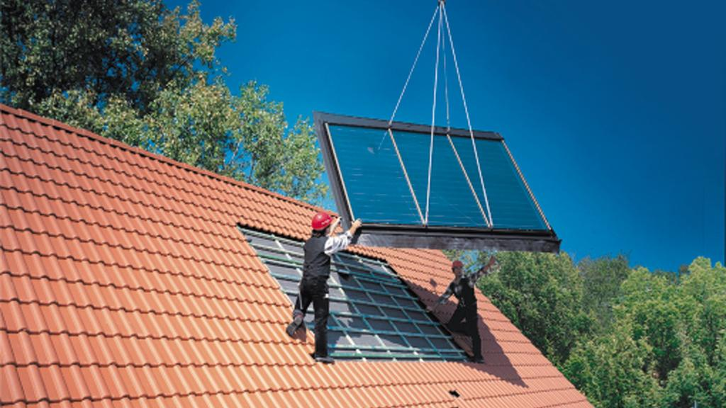 """Zum Themendienst-Bericht """"Bauen/Wohnen/Umwelt/KORR/"""" von Stephanie Hoenig vom 03. März: Schont nicht nur die Umwelt, sondern unter Umständen auch den Geldbeutel: Die Investition in eine Solaranlage kann sich dank neuer Fördermöglichkeiten finanziell"""