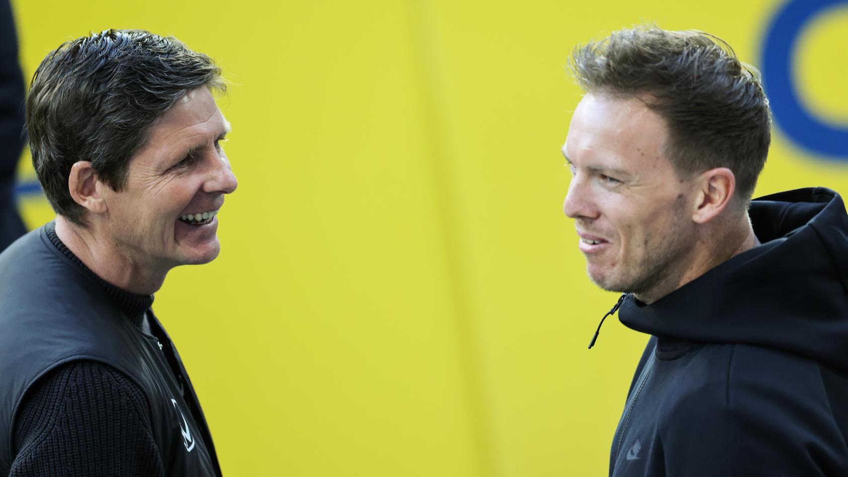Julian Nagelsmann (r.) trifft in seinem letzten Heimspiel als RB-Trainer auf Oliver Glasners VfL Wolfsburg.