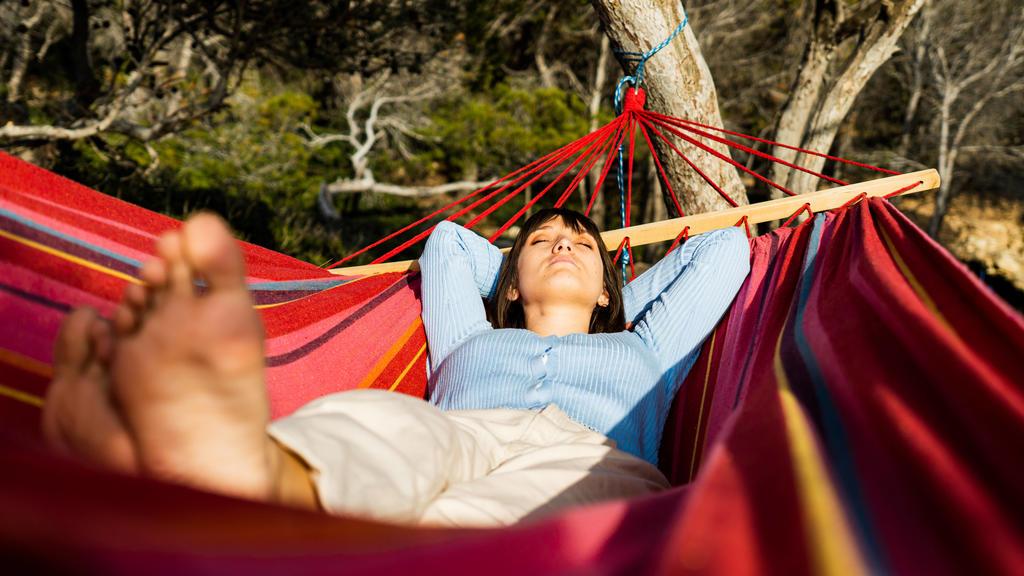 Campen unter freiem Himmel kann sehr entspannend sein
