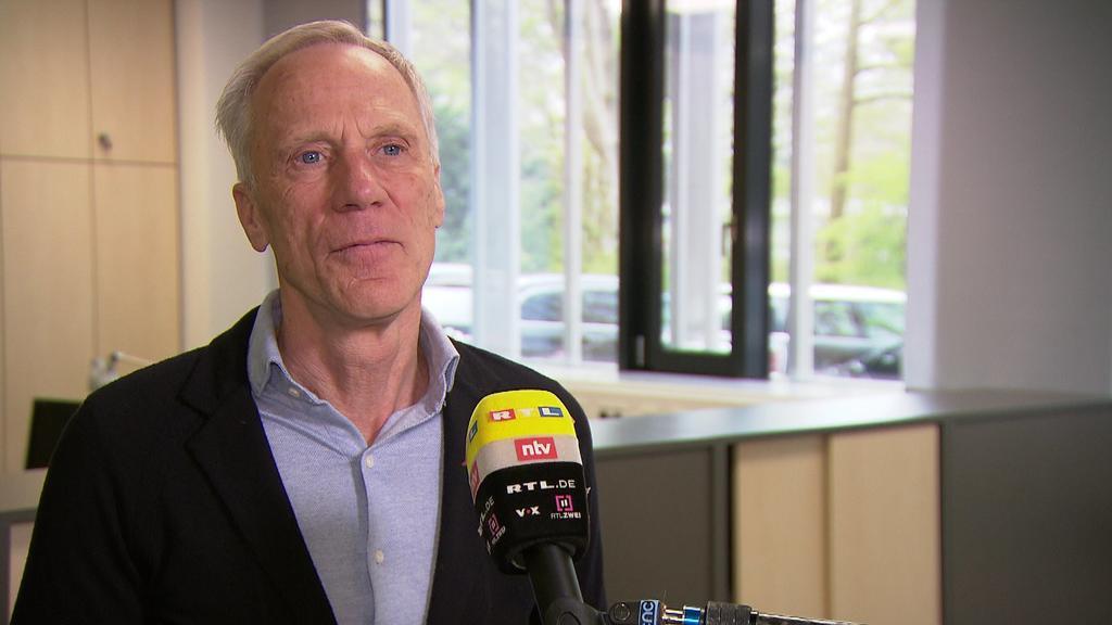 Ingo Froböse, Sportwissenschaftler an der Deutschen Sporthochschule Köln, im RTL-Interview