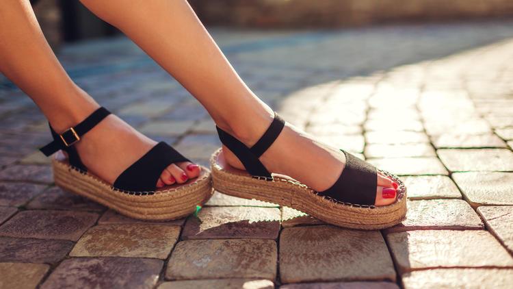 Endlich Sommer! - Top 3: Welche Sandalen angesagt sind