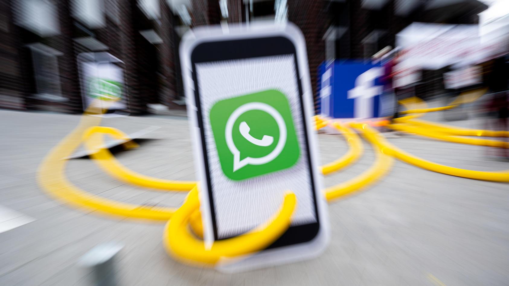 Derzeit ist ein Kettenbrief im Umlauf, der viele WhatsApp-Nutzer verunsichert.