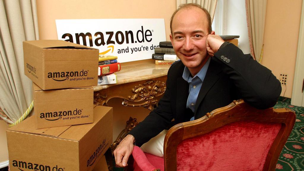 Jeff Bezos USA/CEO des Internetbuchversandes amazon.com anlässlich eines Besuchs bei amazon.de in München