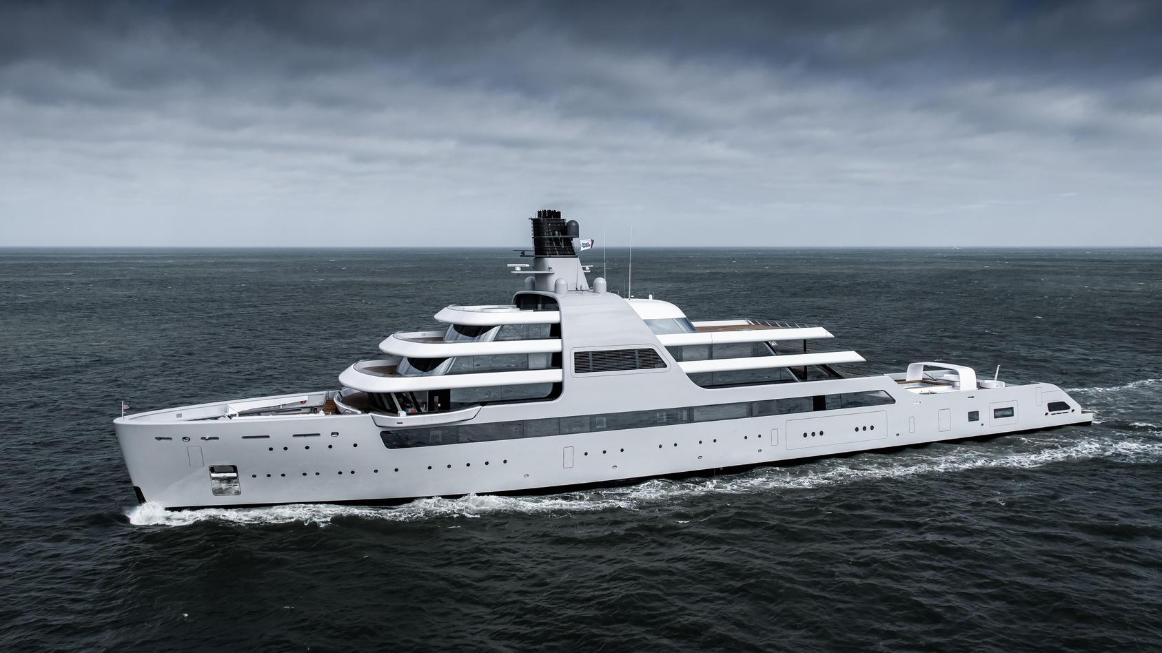 """Luxusyacht """"Solaris"""" aus der Lloyd Werft Bremerhaven"""