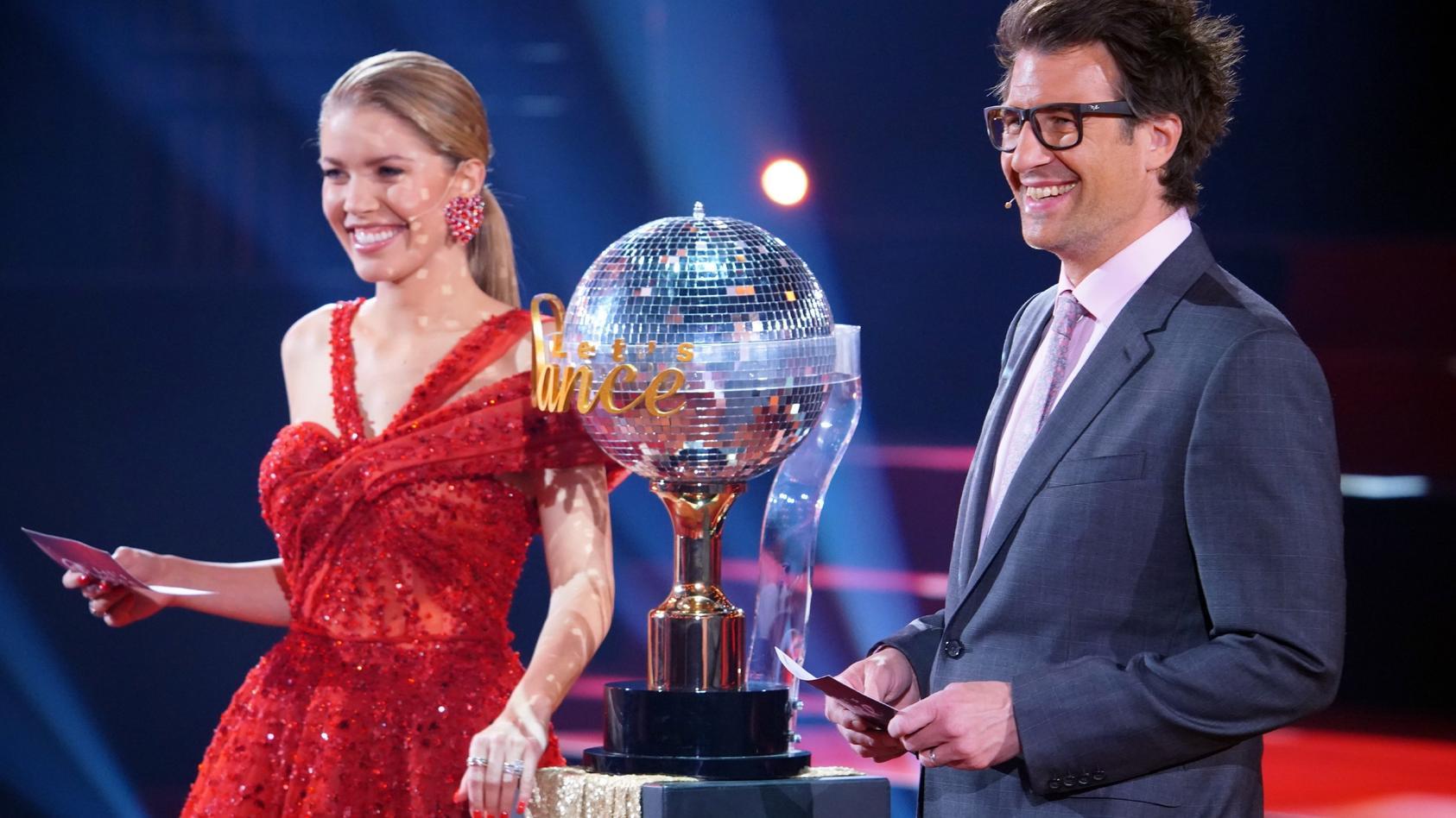 """Victoria Swarovski und Daniel Hartwich küren am 28. Mai den """"Dancing Star 2021""""."""