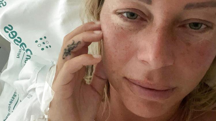 Gute Nachrichten für Bloggerin - Julia Holz' Gebärmutter wird entfernt