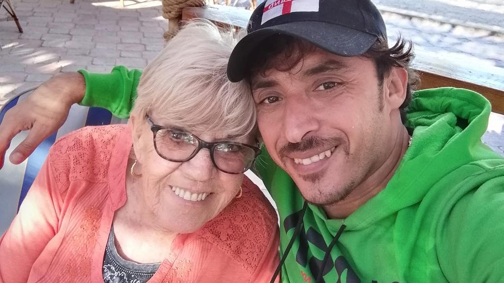Iris (81) und Mohamed (36)