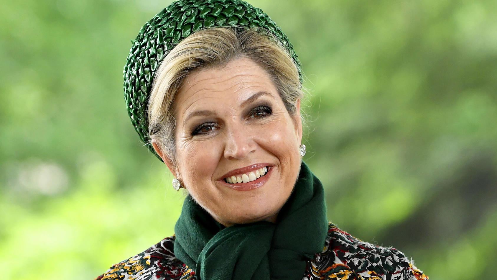 Eigentlich kennen wir Königin Máxima eher so: perfekt gestylt und in schicken Klamotten.